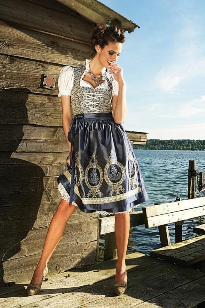 Oktoberfest-Kleidung-Damen-in-silberner-Farbe