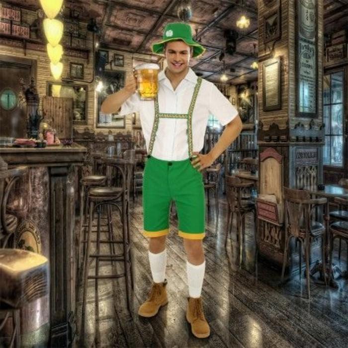 Oktoberfest-Outfit-Männer-in-grüner-Farbe