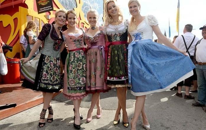 Oktoberfest-Outfits-verschiedenen-Modelle