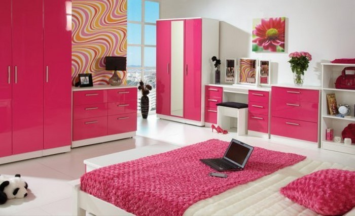 schlafzimmer farblich gestalten das fr hliche rosa. Black Bedroom Furniture Sets. Home Design Ideas