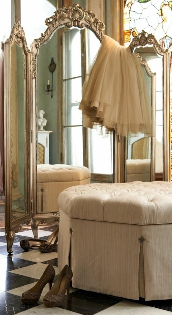 spiegel-antik-in-natuerlicher-groesse