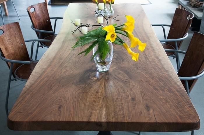 tisch aus massivholz bedeutet luxus und hochwertigkeit. Black Bedroom Furniture Sets. Home Design Ideas