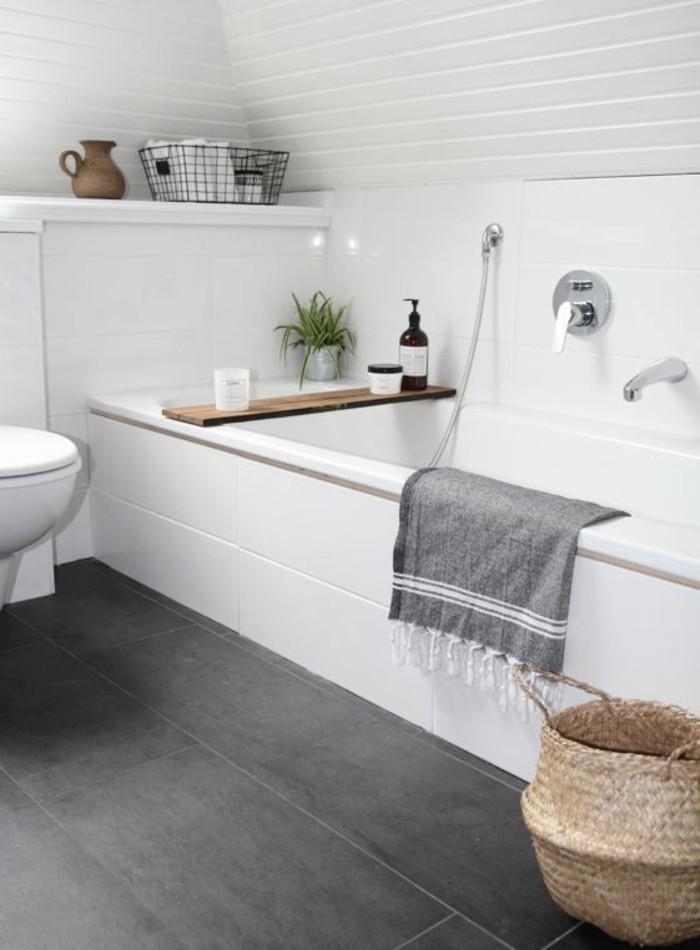 badezimmer beispiele wohndesign. Black Bedroom Furniture Sets. Home Design Ideas