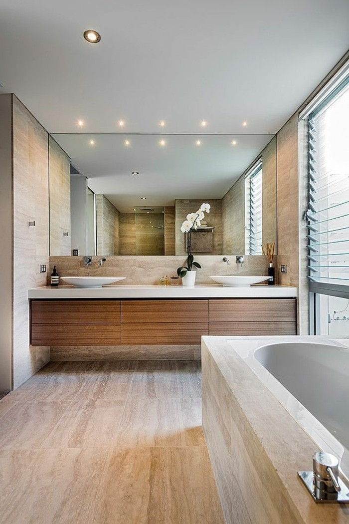 badezimmer-beispiele-mit-grosem-spiegel