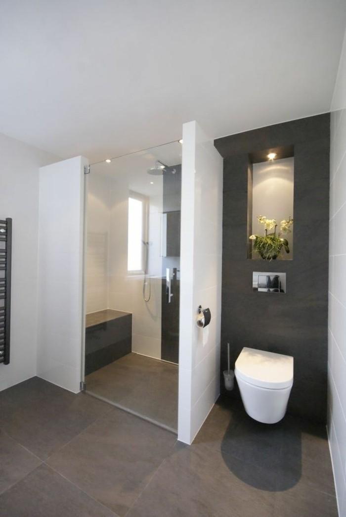 badezimmer-vorschlage-in-grauer-farbe