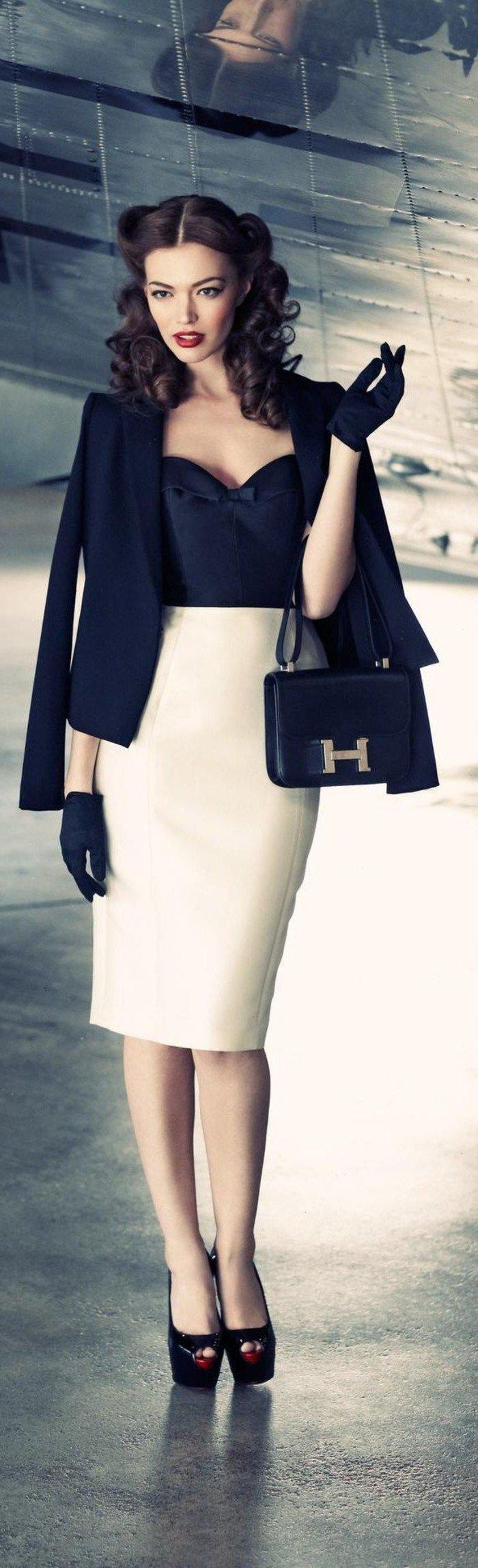 damenkleider-elegant-mit-schwarzen-handschuhe