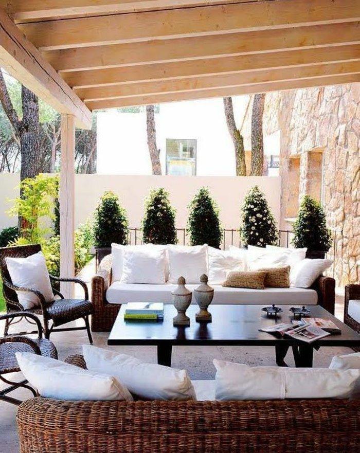 deko-fur-terrasse-figuren-aus-holz