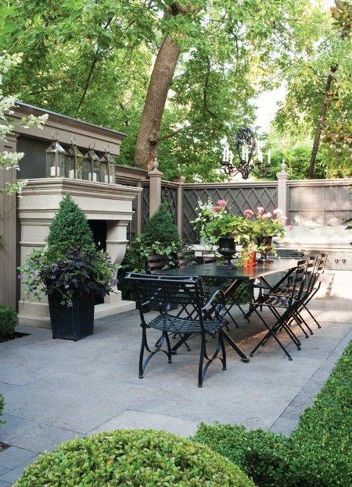 deko-terrasse-mit-einem-kamin