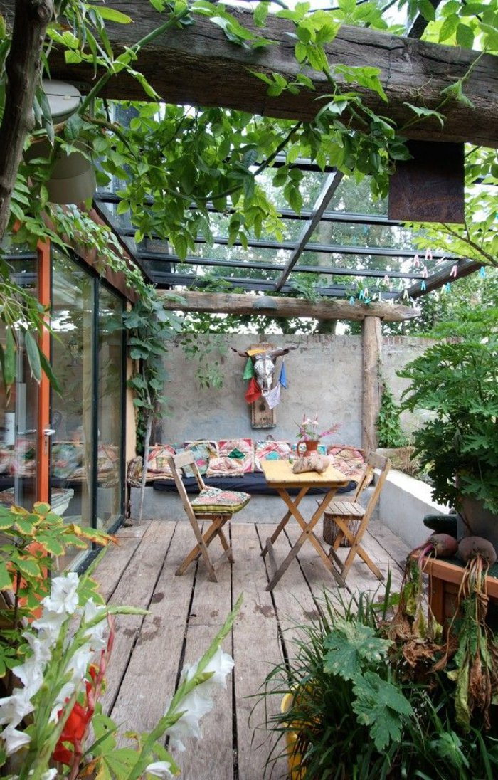 deko-terrasse-mit-glas-uberdachung