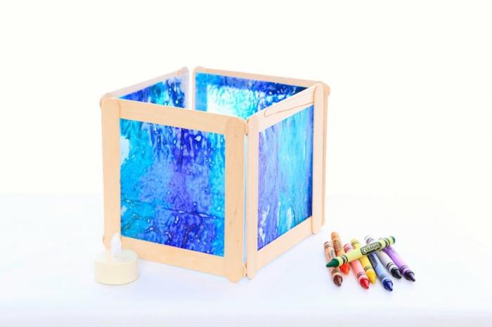einfache-laternen-basteln-in-blauer-farbe