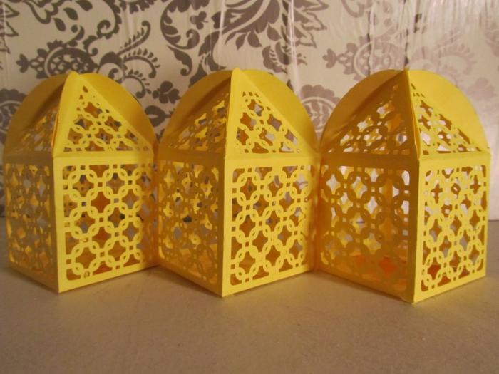 einfache-laternen-basteln-in-gelber-farbe