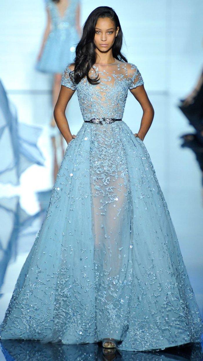 elegante-mode-damen-in-blauer-farbe