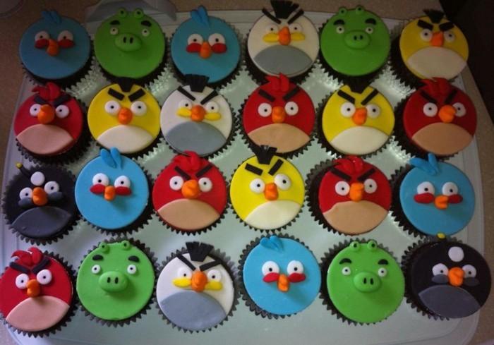fondant-selber-machen-kuchen-dekorieren-geargerte-vogel-muffins