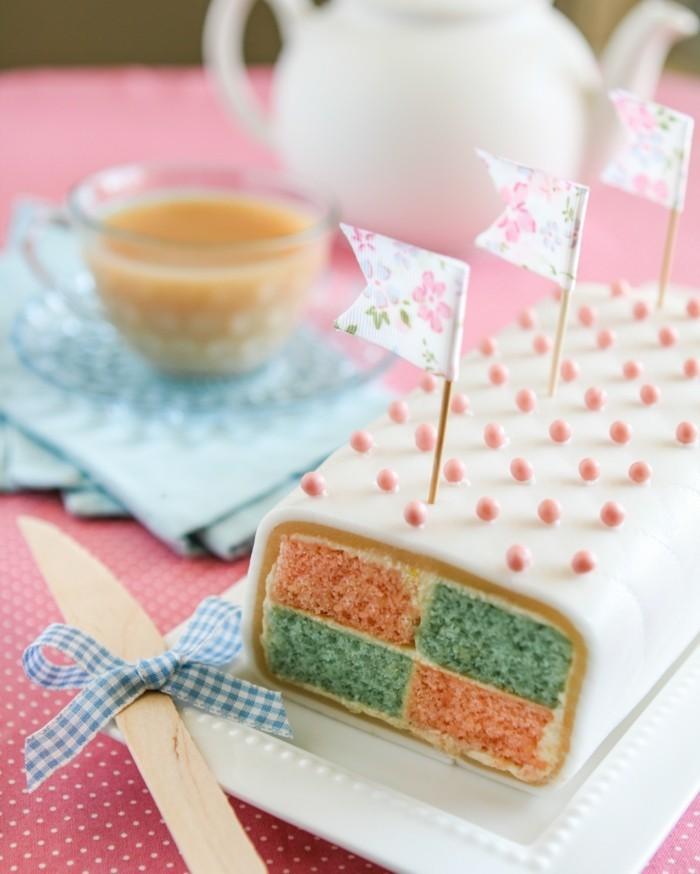 fondant-selber-machen-kuchen-mit-fondant-kuchen-dekorieren-wunderschon