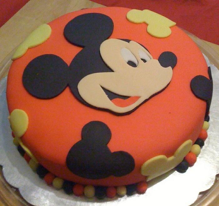 fondant-selber-machen-torten-dekorieren-mickey-mouse