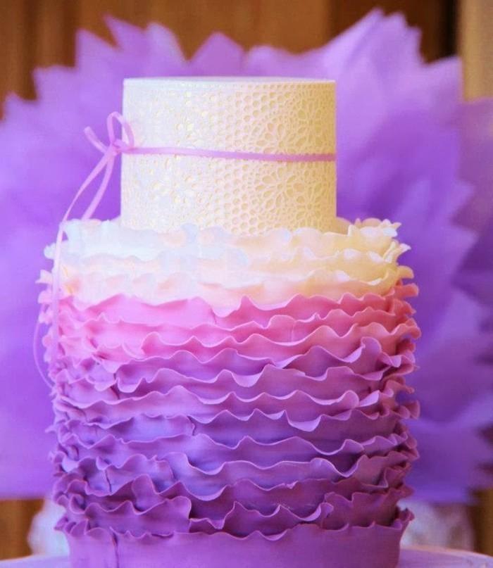 fondant-selber-machen-torten-dekorieren-ombre-torte-lila-rosa-weis