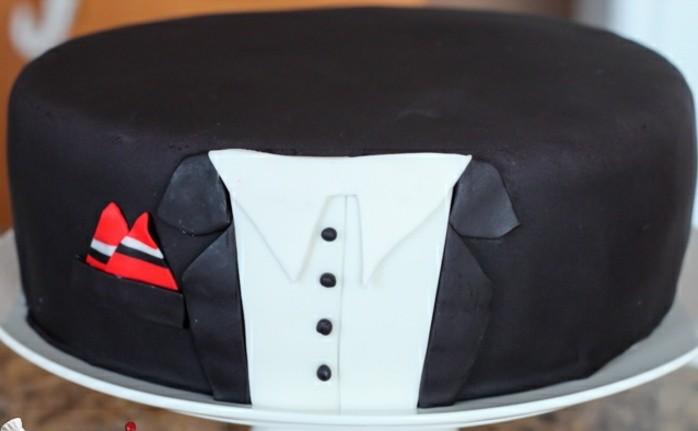 fondant-selber-machen-torten-dekorieren-torte-in-anzug