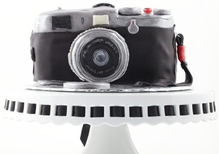 fondant-selber-machen-torten-dekorieren-und-fotografieren-kamera