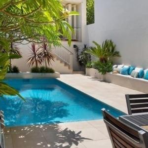 Stahlwandschwimmbecken: Eine günstige Pool-Variante