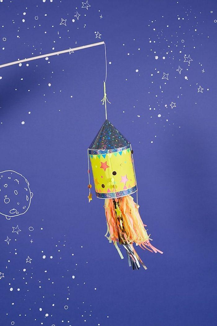 kreative laternen aus papier weltall inspiration schöne bastelideen für kleinkinder