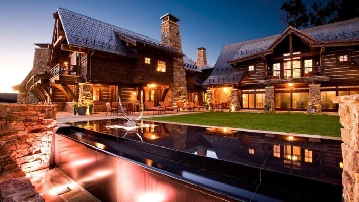 luxushauser-mit-einer-roten-beleuchtung