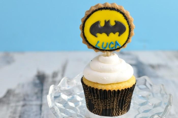 muffins-dekorieren-geburtstag-party-batman