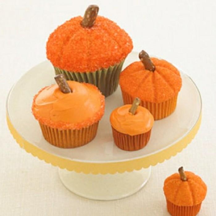 muffins-dekorieren-halloween-allerlei-kurbis-sorten-muffins