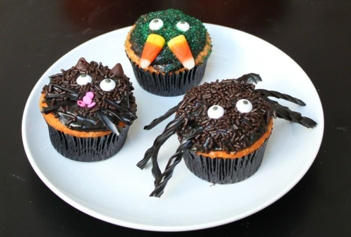 muffins-dekorieren-halloween-spinne