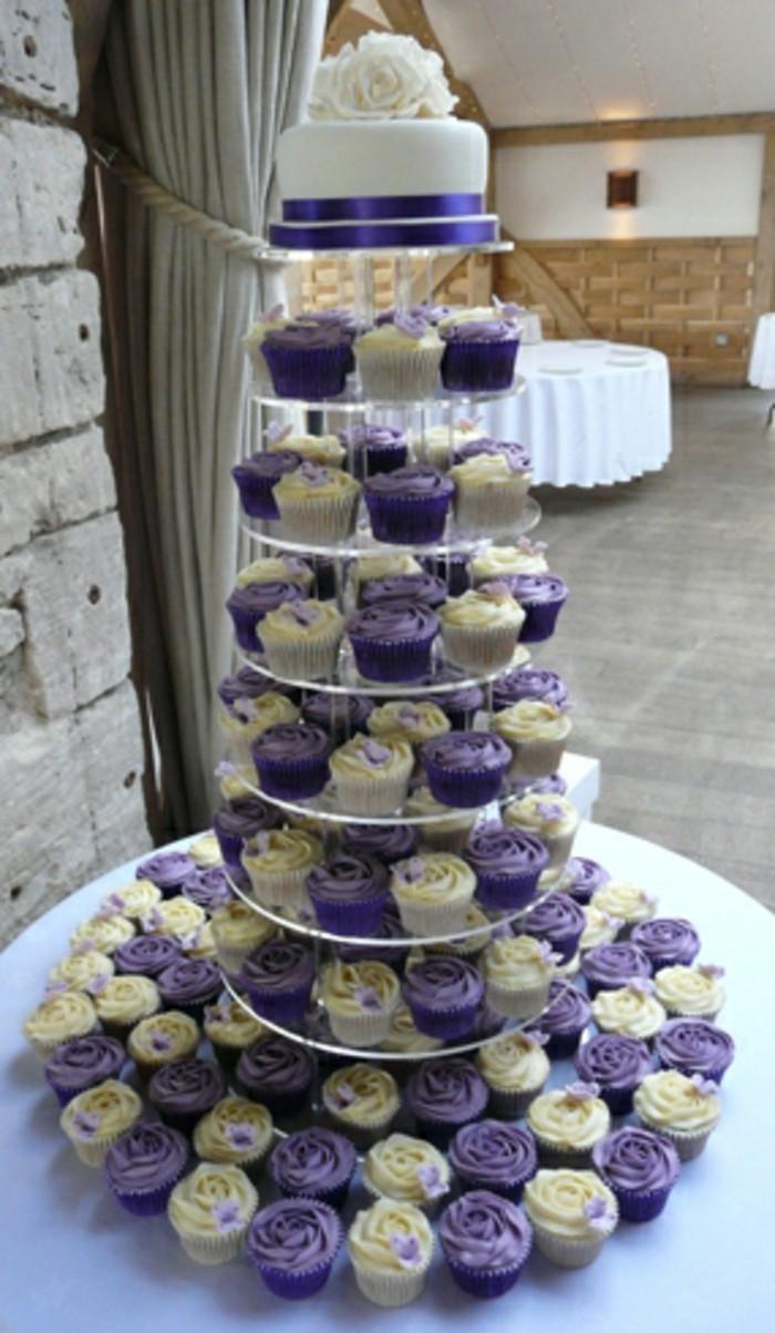 muffins-dekorieren-hochzeit-muffins-verzieren-in-lila-und-blau