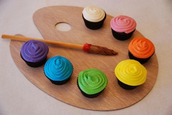muffins-dekorieren-ideen-bunte-palette-darstellen