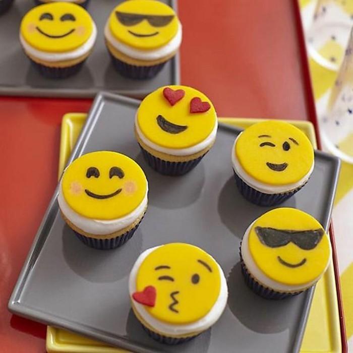 muffins-dekorieren-ideen-emoji-muffins