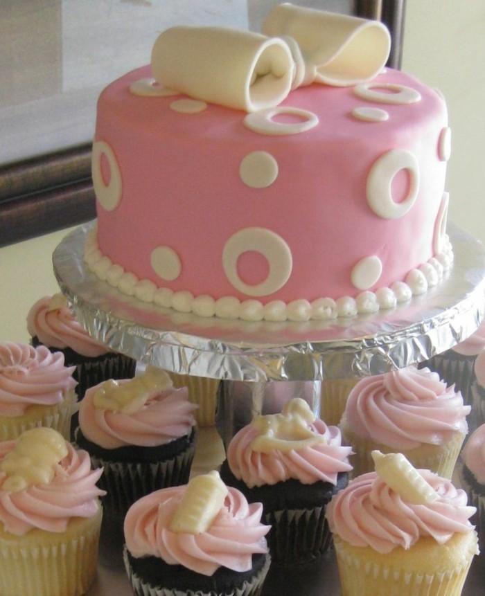 muffins-dekorieren-ideen-wilkommen-baby-neugeboren-madchen