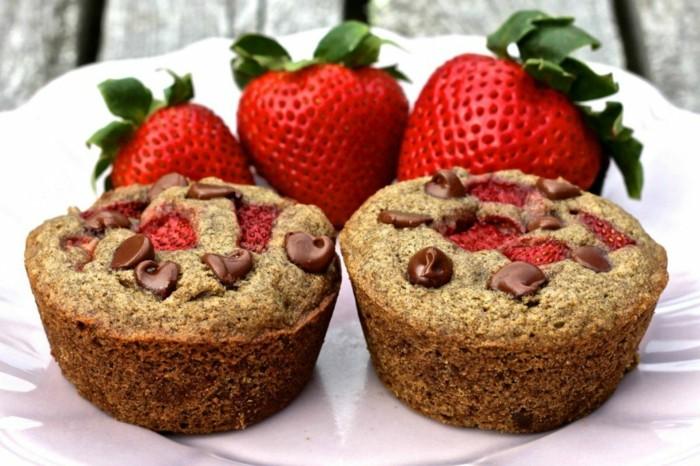 muffins-dekorieren-selber-machen-schoko-und-erdbeeren-klasse-geschmack