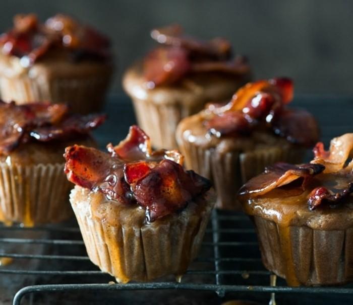 muffins-dekorieren-selber-machen-zu-hause-dekorieren-erdbeeren