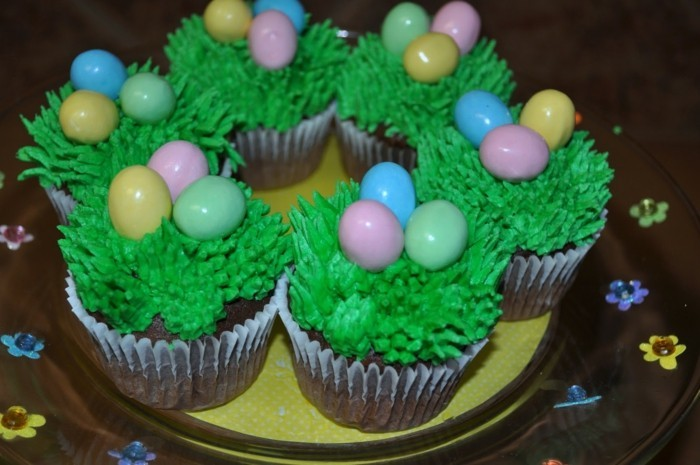 muffins-dekorieren-zu-ostern-cupcake-deko