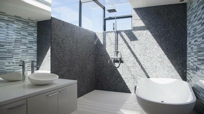 muster-badezimmer-mit-naturstein