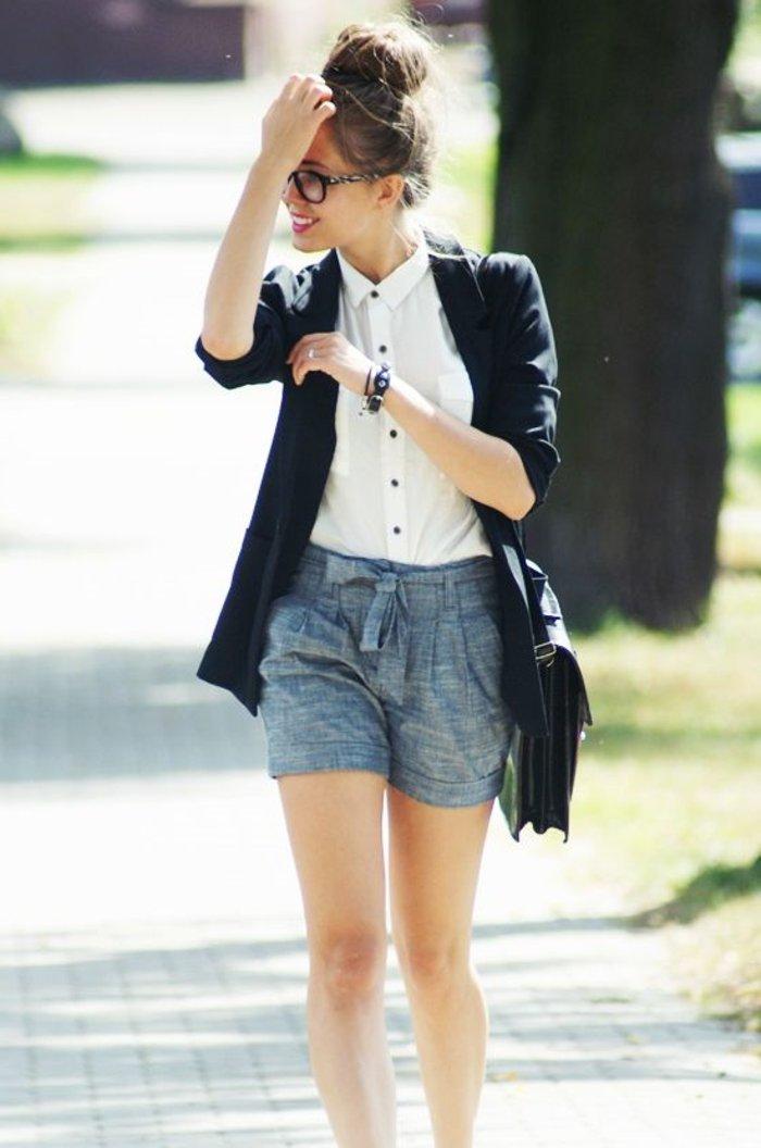 schicke-kleider-schwarzer-jacke-und-weise-bluse