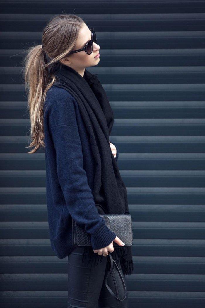 schicke-kleidung-in-schwarz-und-blau