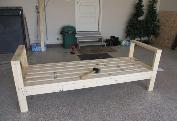 sofa-selber-bauen-aus-holz-ein-schones-sofa-selbst-bauen