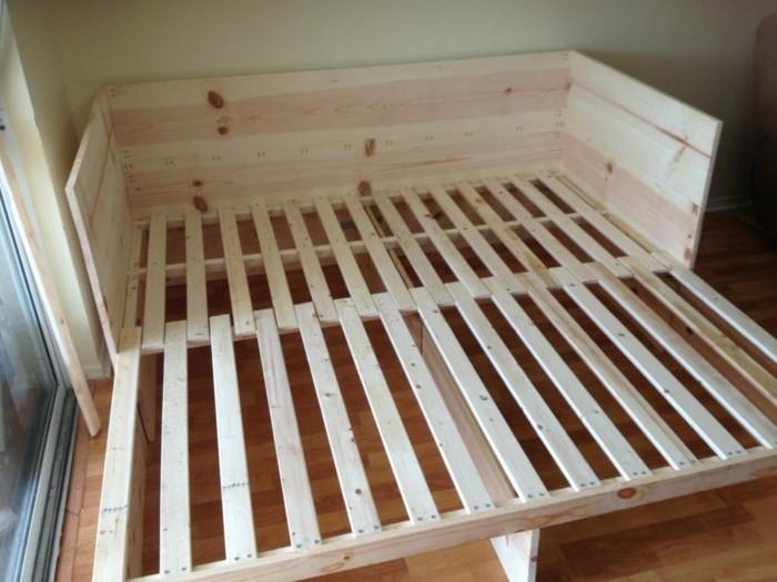 sofa-selber-bauen-sie-konnen-aus-holz-ein-sofa-selber-bauen