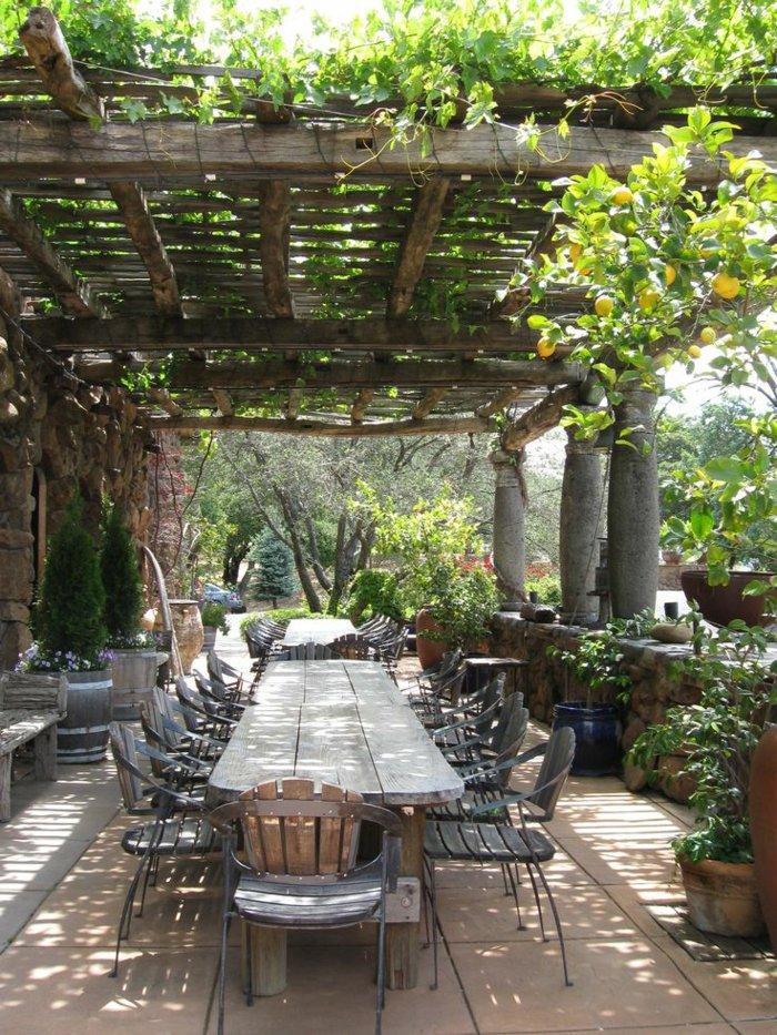 terrasse-dekoration-mit-saulen