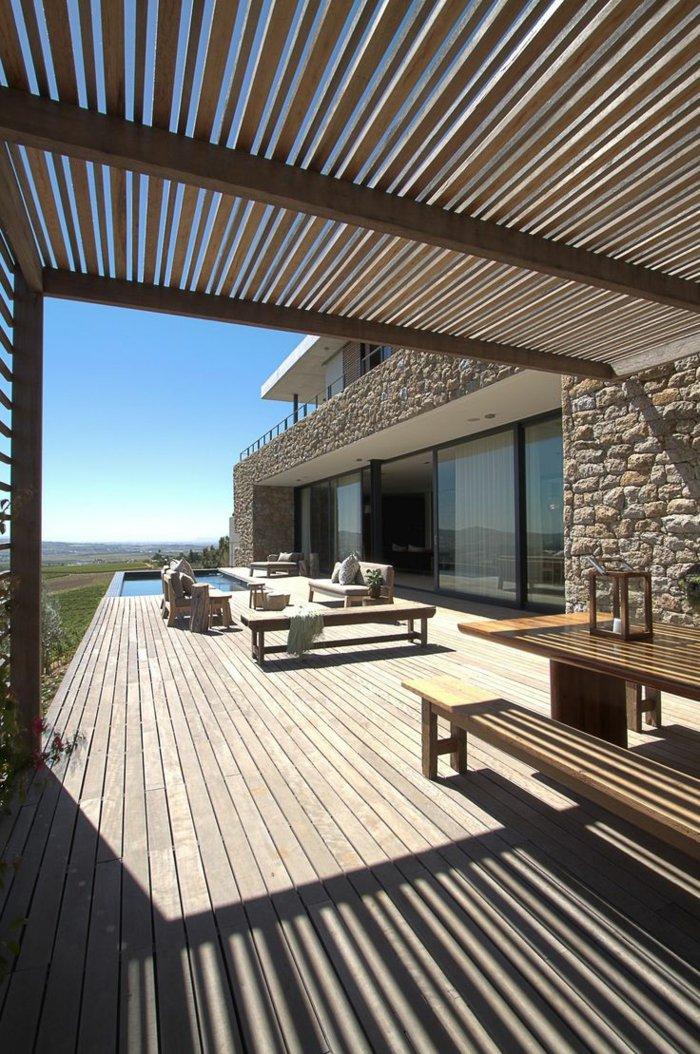 terrasse-dekorieren-mit-uberdachung