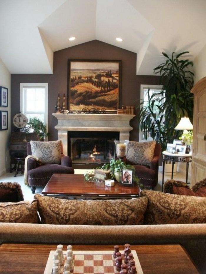 Ein Wohnzimmer in braun wirkt einladend und wohnlich.
