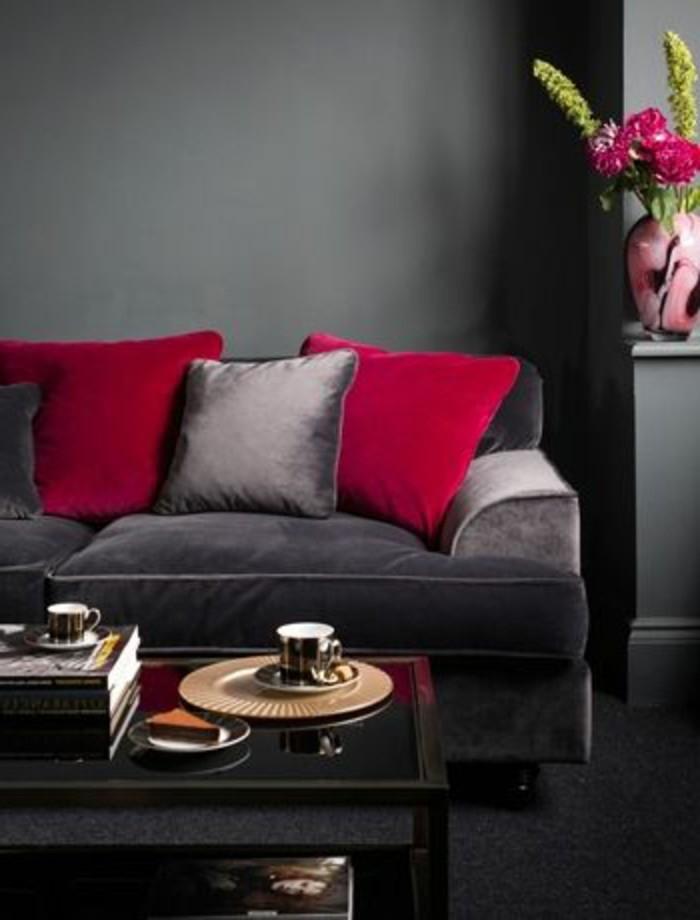Rotes esszimmer fur intensive einladende atmosphare  Ein Wohnzimmer in braun wirkt einladend und wohnlich.