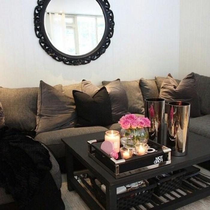 wohnzimmer-in-braun-und-dunkle-braun-sofa