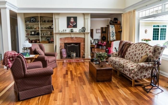 wohnzimmer-mit-feuerstelle-sehr-schones-ambiente