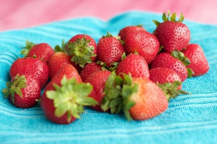 2-1-vegane-torte-vanilla-torte-vegan-ernahren-erdbeeren-deko