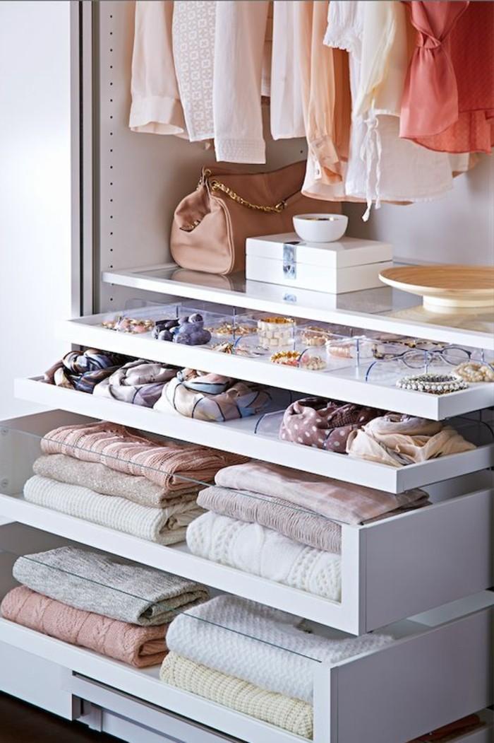 9-ankleidezimmer-einrichten-weiser-kleiderschrank-accessoire-kleider