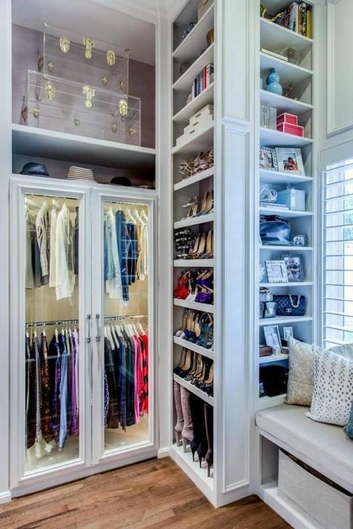 ankleidezimmer-einrichten-weiser-begehbarer-kleiderschrank-kleider-schuhe