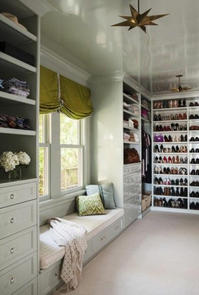 ankleidezimmer mit fenster ideen. Black Bedroom Furniture Sets. Home Design Ideas